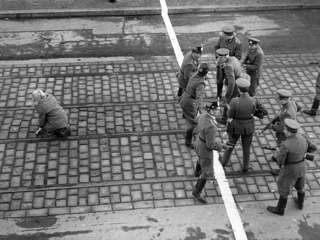 Berlin Wall 1961 (2_109).jpg