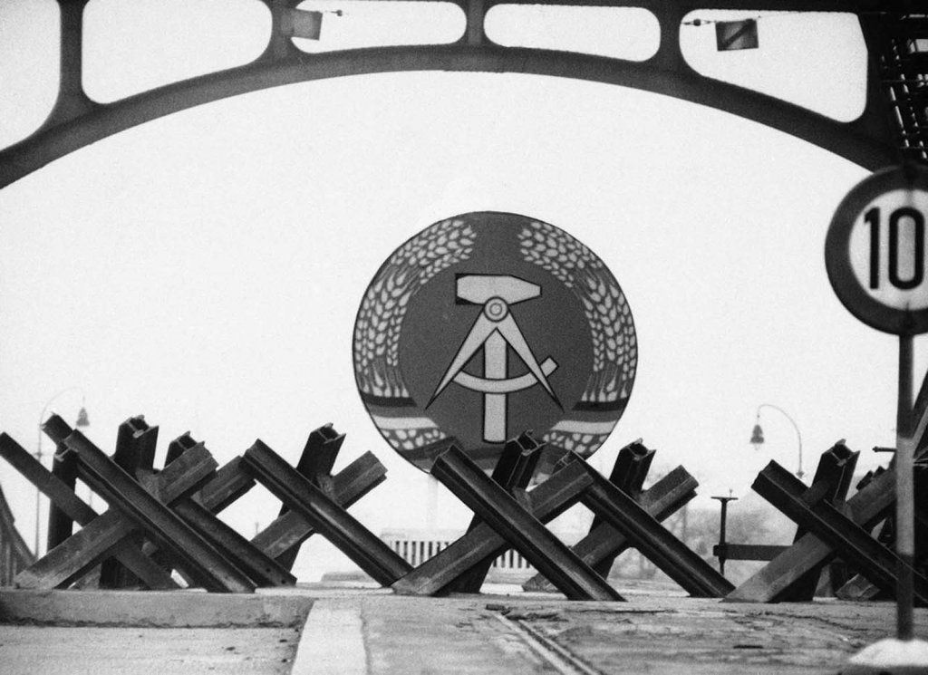 Berlin Wall 1961 (2_98).jpg