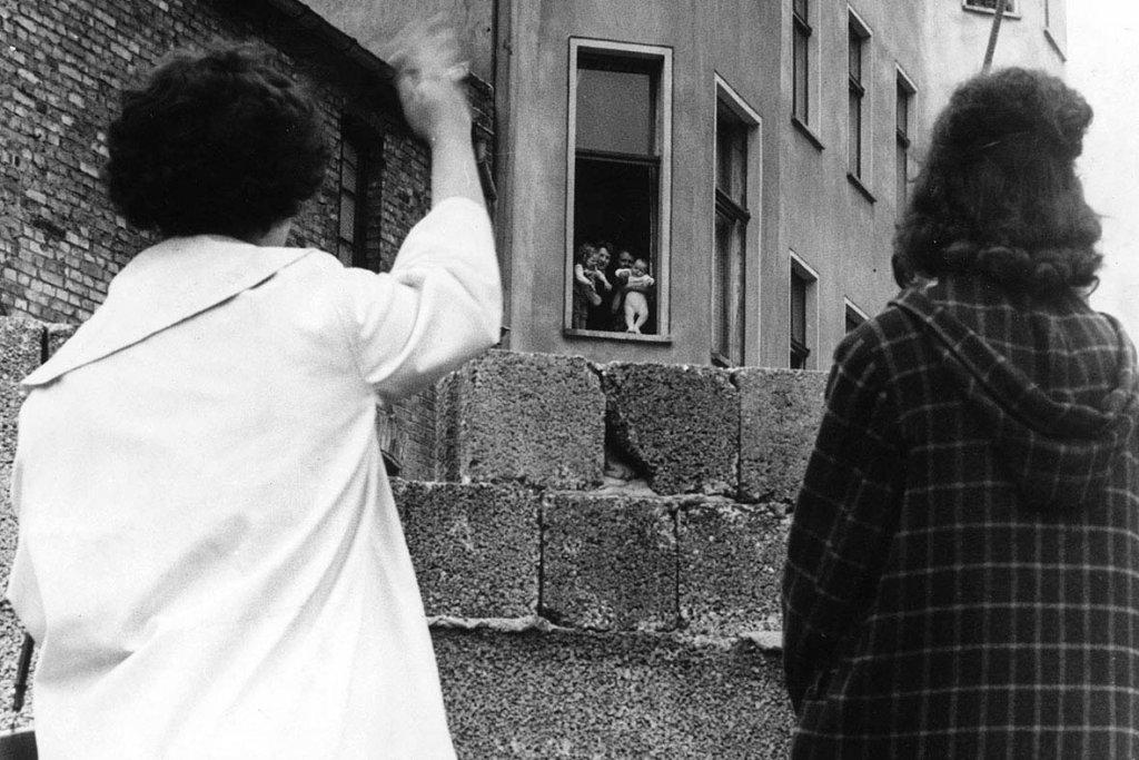 Berlin Wall 1961 (3_11).jpg