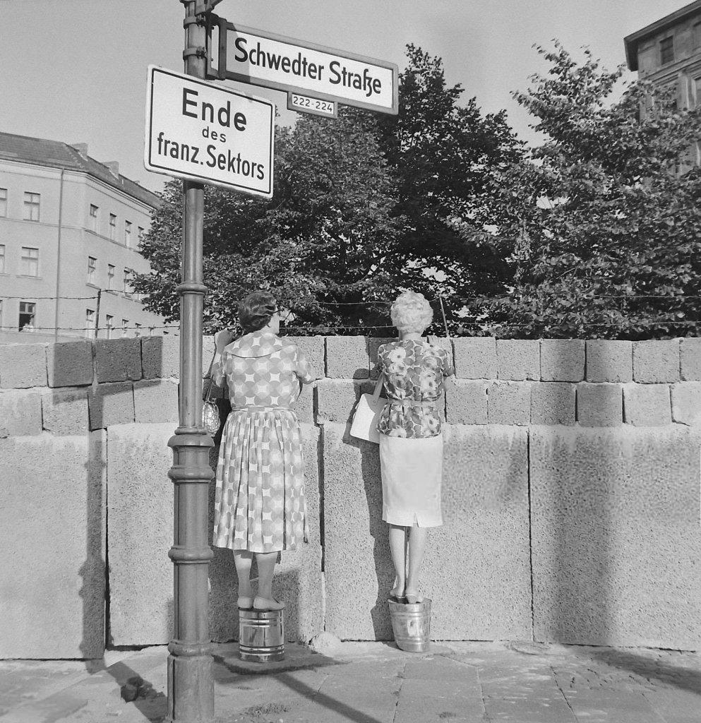 Berlin Wall 1961 (3_19).jpg