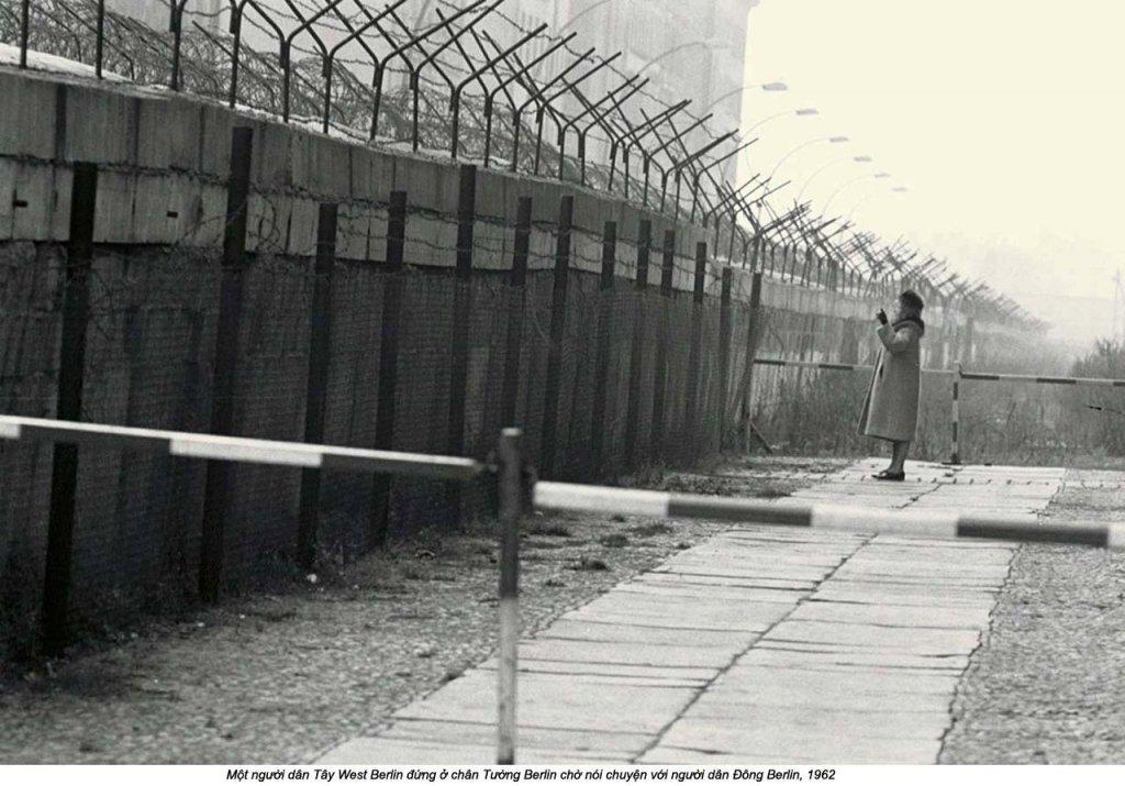 Berlin Wall 1961 (3_376).jpg