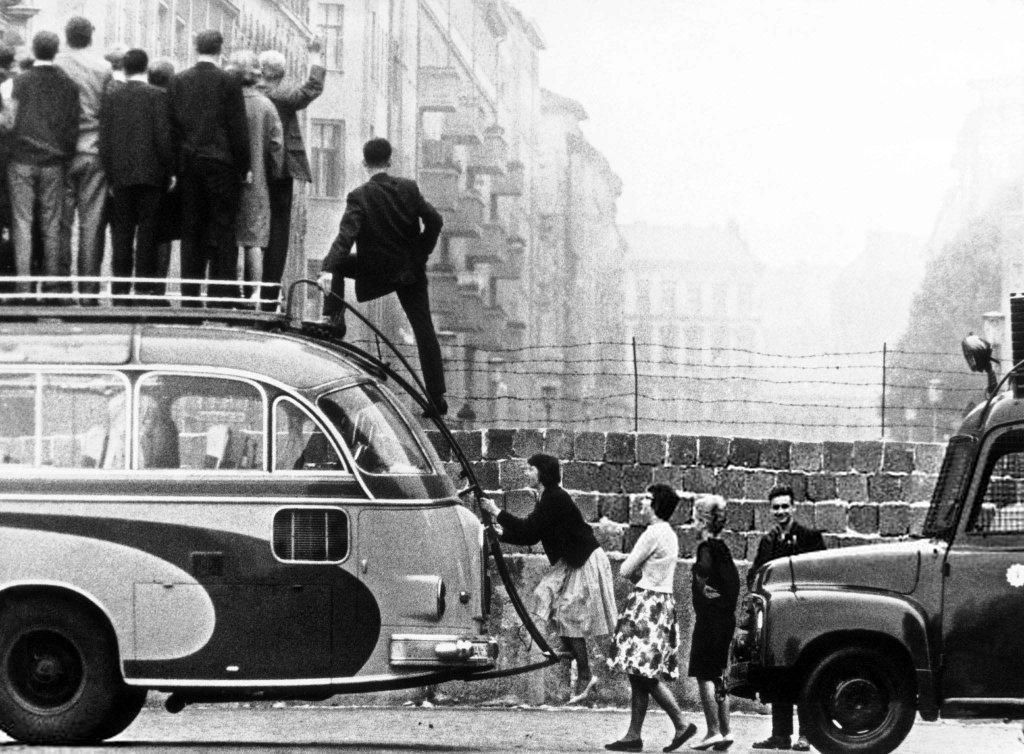 Berlin Wall 1961 (3_379_).jpg