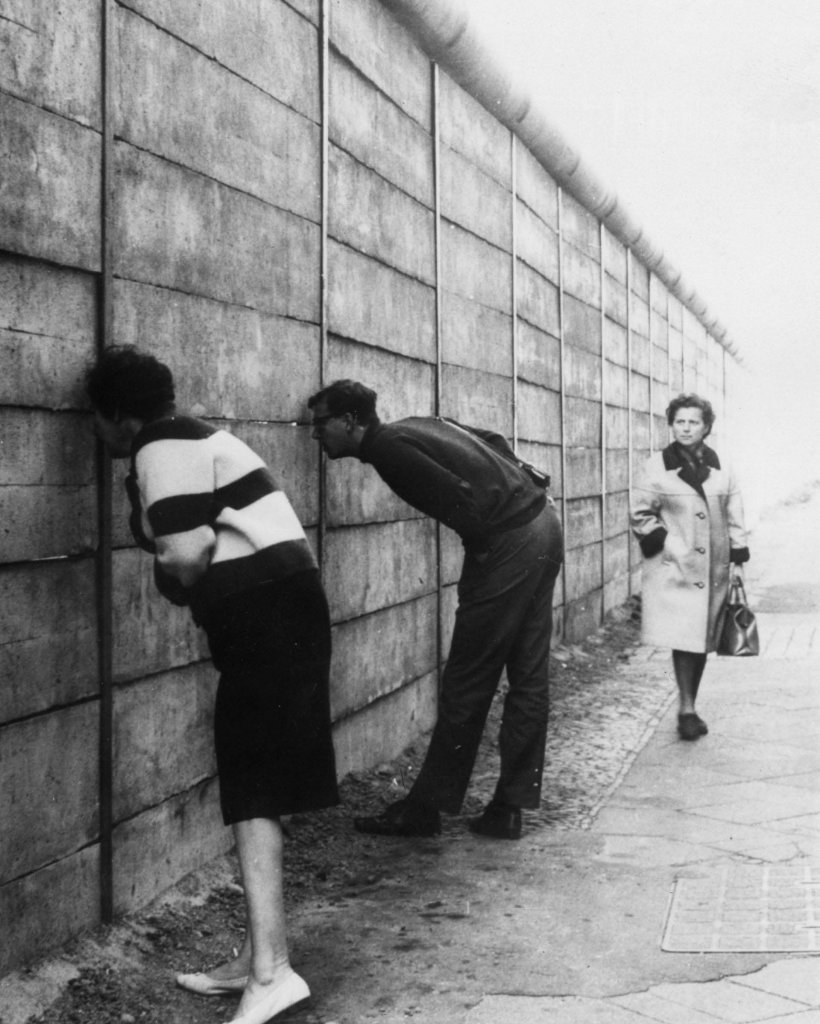 Berlin Wall 1961 (3_4).jpg