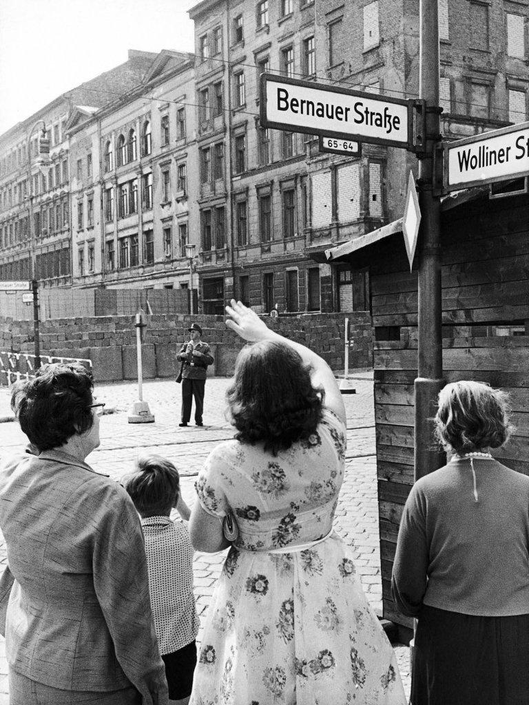 Berlin Wall 1961 (3_7).jpeg