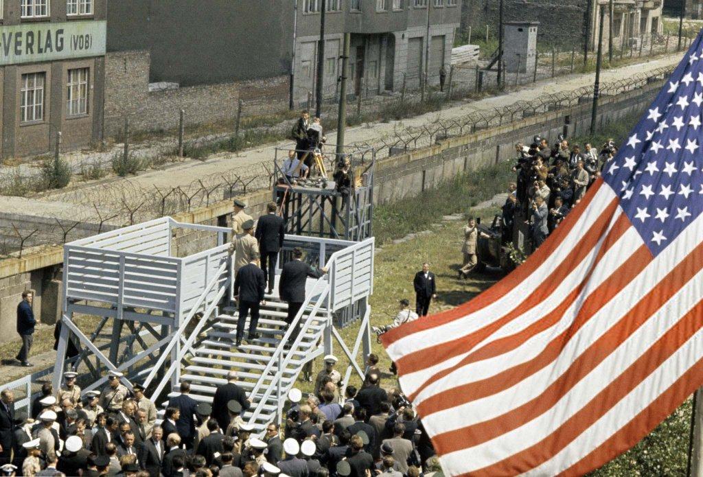 Berlin Wall 1963 (1_7).jpg