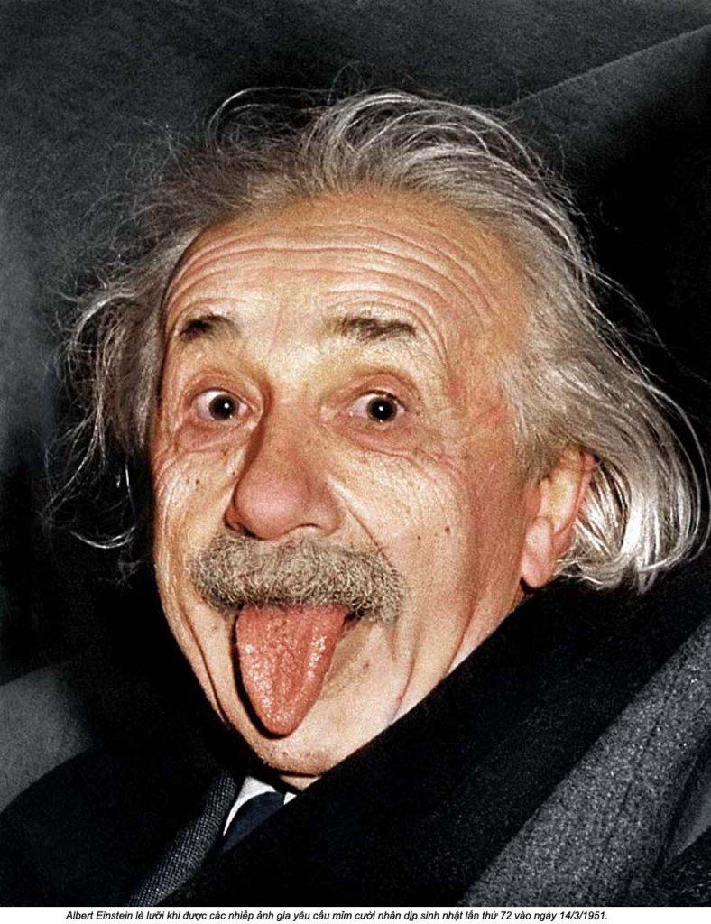 Einstein (1_3_1) lưỡi.jpg