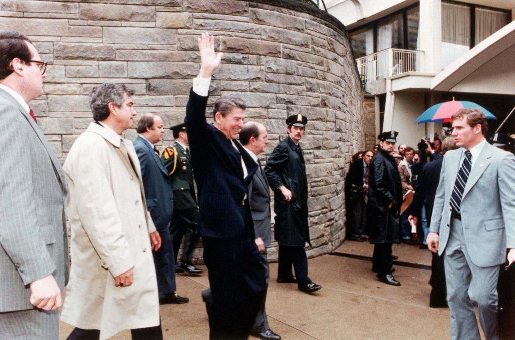 Ronald Reagan (1_2).jpg